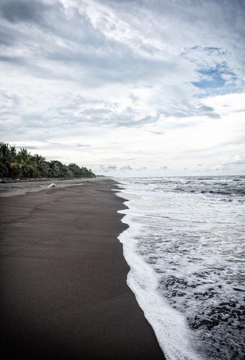 Strand von Tortuguero, Costa Rica am Freitag(12.05.2017). Foto: Tanja Demarmels